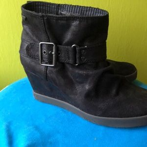 [MOVING SALE] Roxy Buckle Ankle Boots